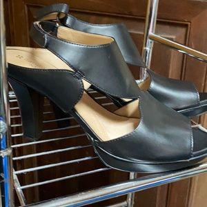 NWOT black Naturalizar heels